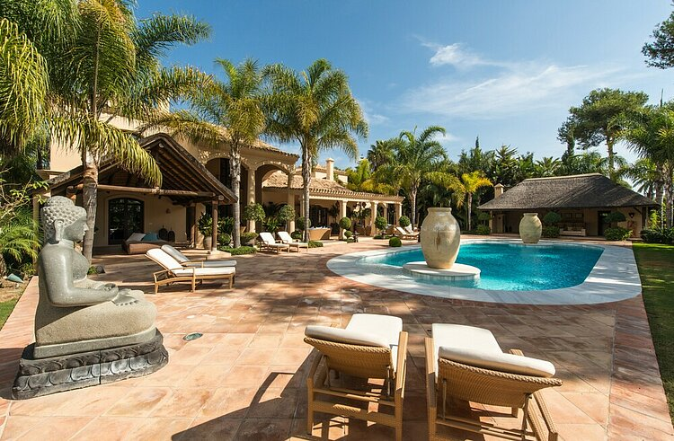 Large Beachside Mansion For Sale Marbella East Price 7