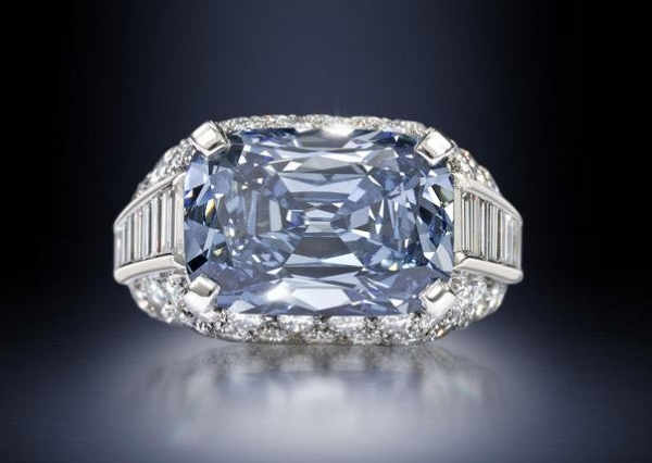 fancy-deep-blue-5-30-carat-diamond-sold-for-a-world-record-breaking-9-6-million-at-a-bonhams-auction-in-london
