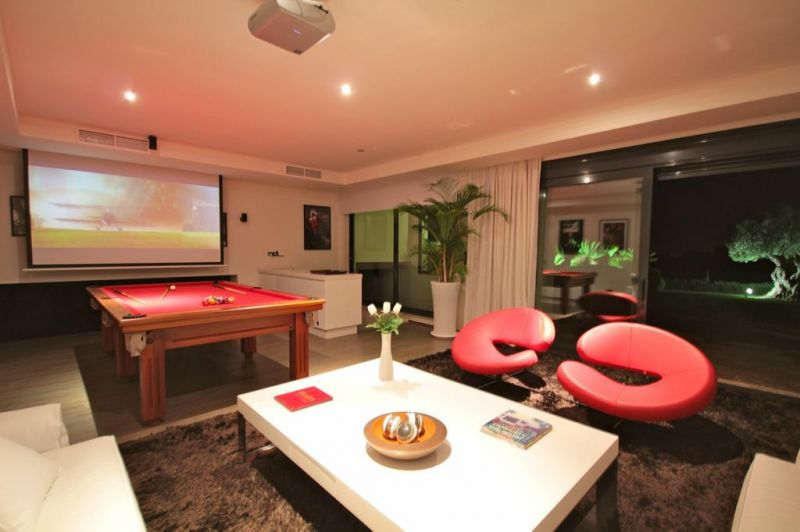 Modern Villa With 6 Meter High Ceiling And Panoramic Golf