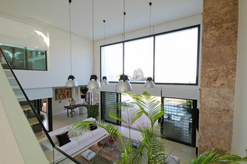 Villa moderne avec 6 m tres de hauteur sous plafond et vue sur golf et mer pa - Hauteur plafond maison ...