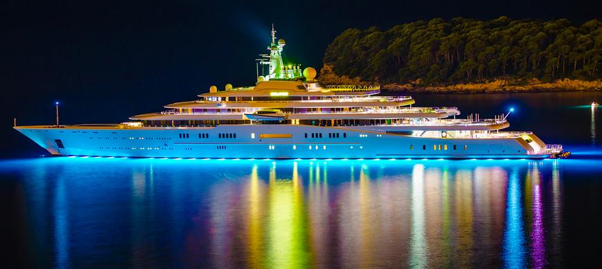 Superyacht abramovich  Roman Abramovich´s 163.5meter super yacht M/Y Eclipse ...